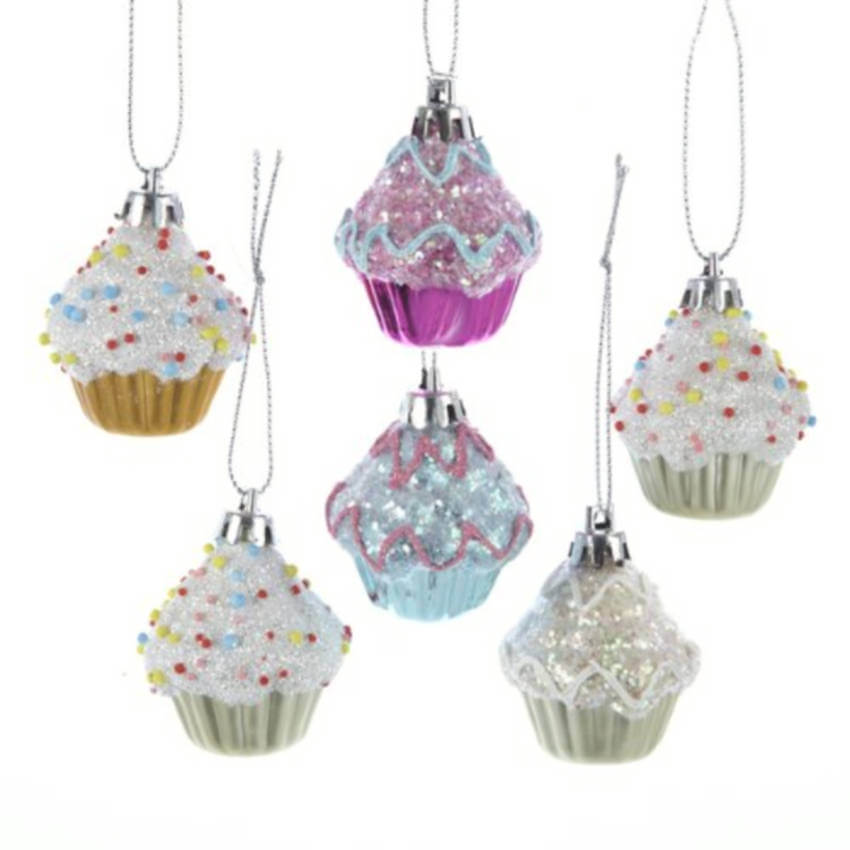 Snowy cupcakes ornaments.