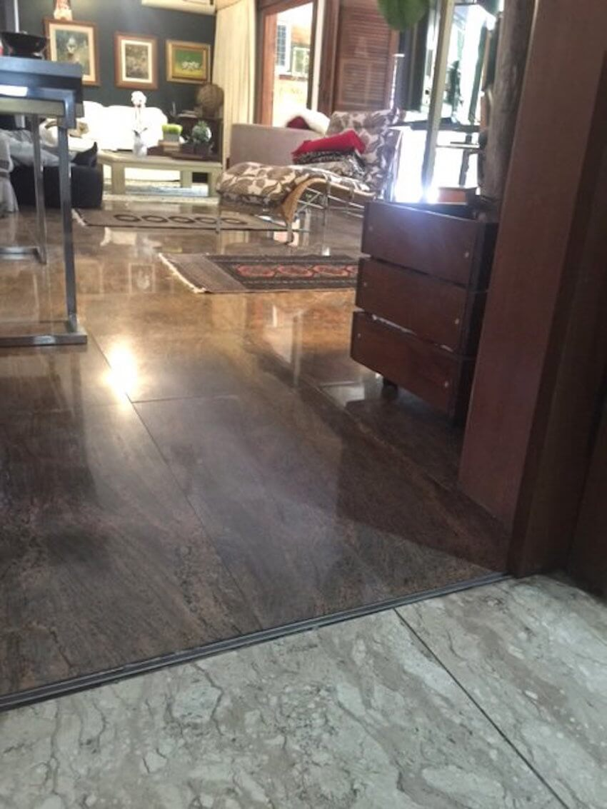Marble flooring and pavers are sometimes confused with Granite, here you can see the constrant between both.