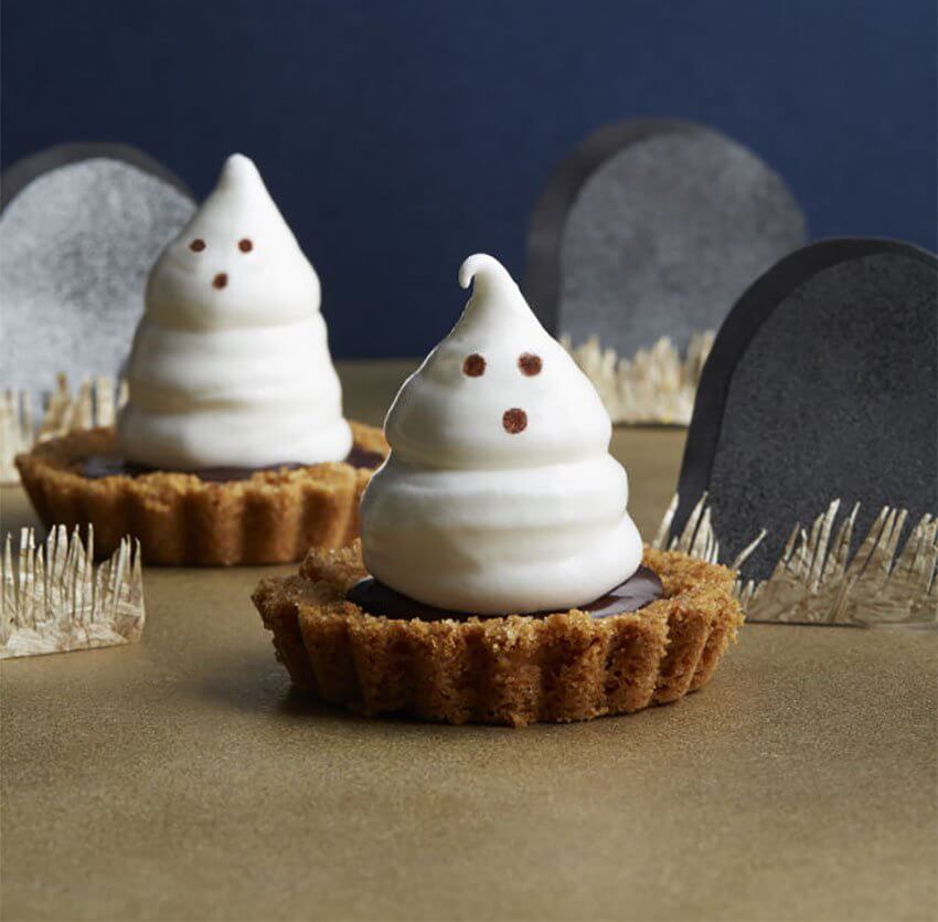 Meringue Ghost Tartlets for your Halloween party