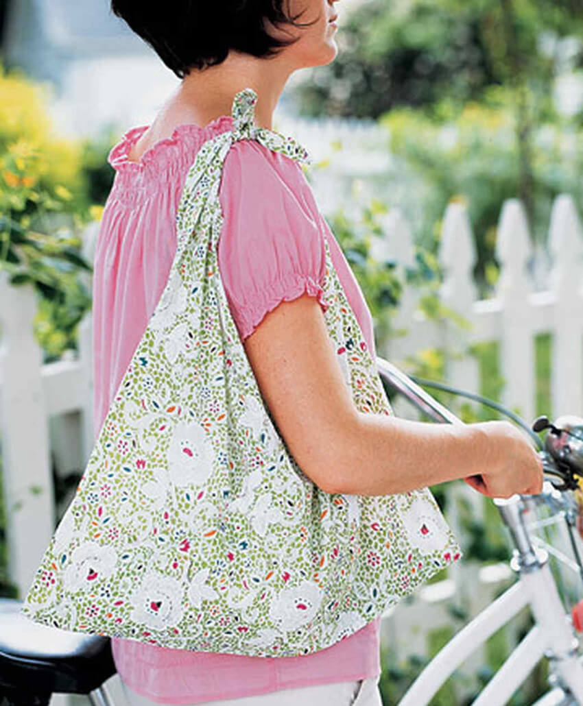 A pillowcase can make this cute tote for that Sunday walk in the park!