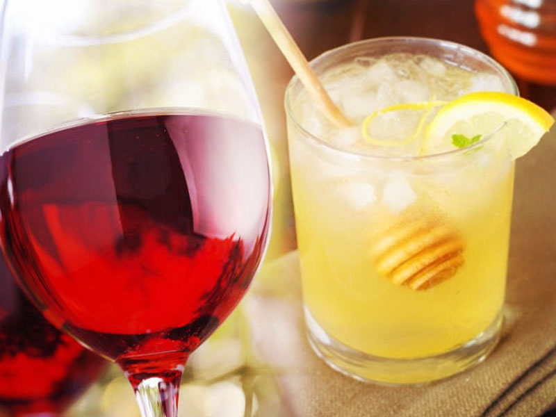 6 Surprisingly Delicious Cocktails You Can Make With Wine