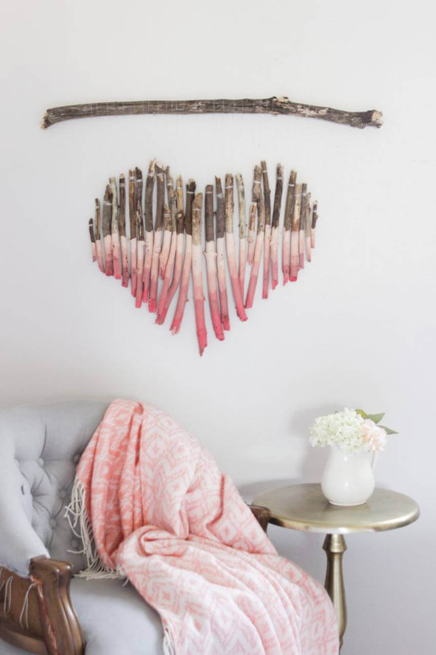 Make the room cozier and more feminine with this type of wood art!