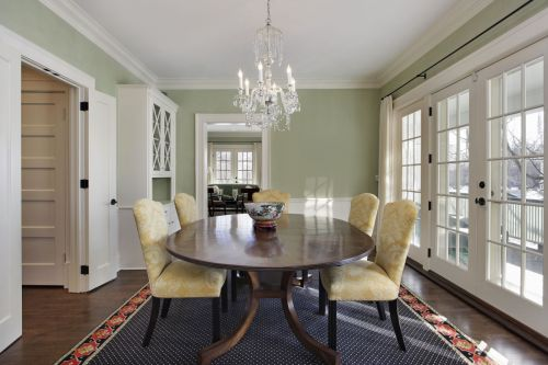 Fancy, Classical Dining Room Decor