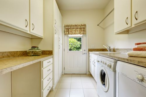 Light colors for a lovely laundry room